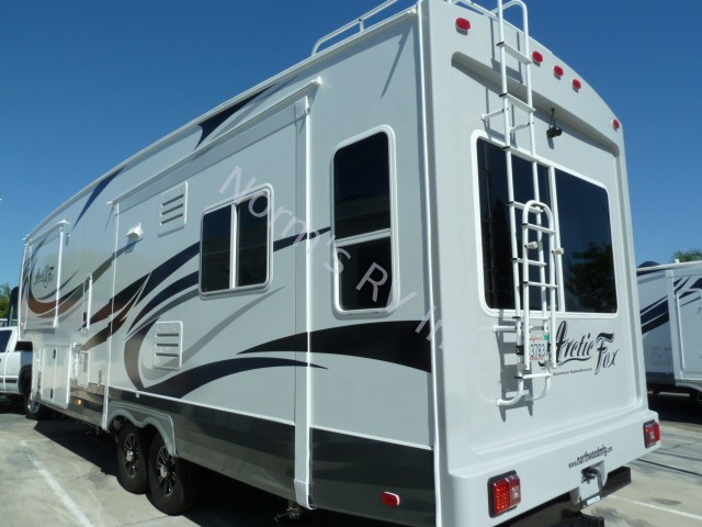 Luxury New 2017 Northwood Manufacturing Arctic Fox 32-5M Silver Fox Fifth Wheel For Sale | Normu2019s RV ...