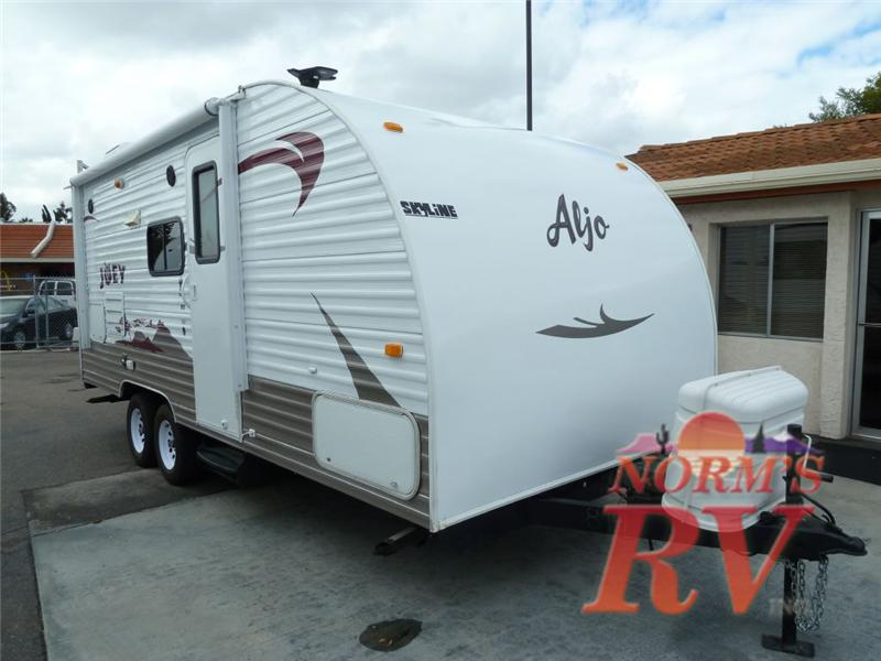 2012 Skyline Nomad Joey Select 310 Trailer : Reviews